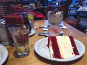 red-velvet-cheesecake juniors deli