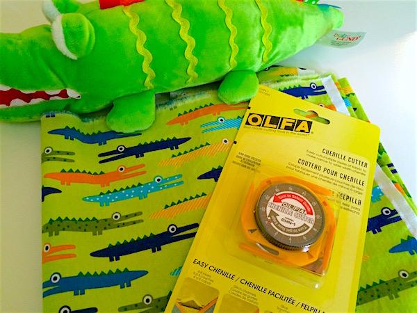 Chenille blanket – DIY toddler gift