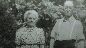 laura-almanzo-1942