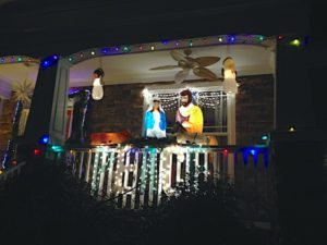 christmas-home-porch